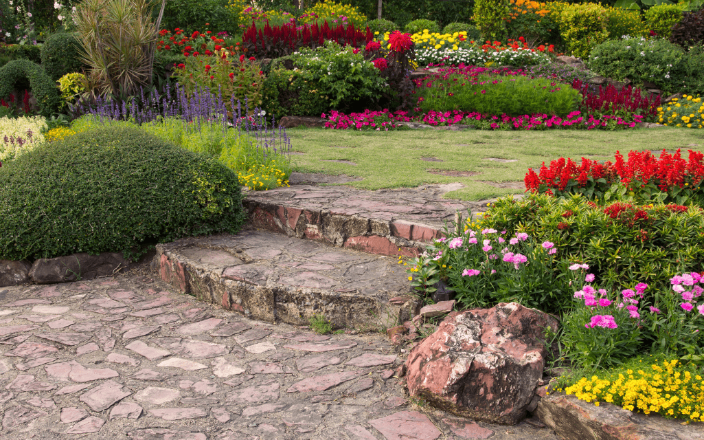 Tips To Help You Decorate Your Garden