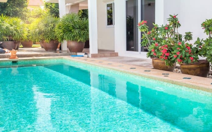 The Pros and Cons of Owning a Swimming Pool | 5 Best Things
